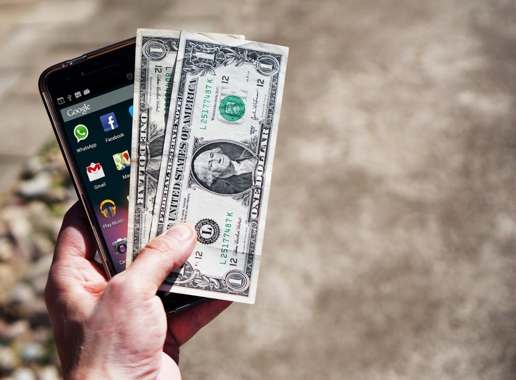 money-saving-mobile-phone